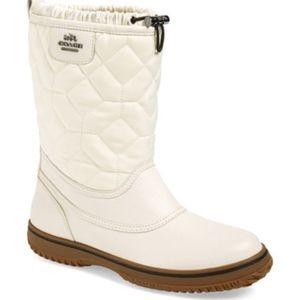 White Coach Sparrow Boots